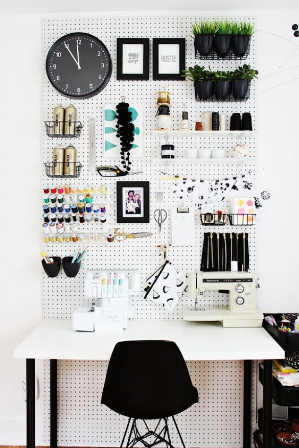 peg-board-wall.home-studio